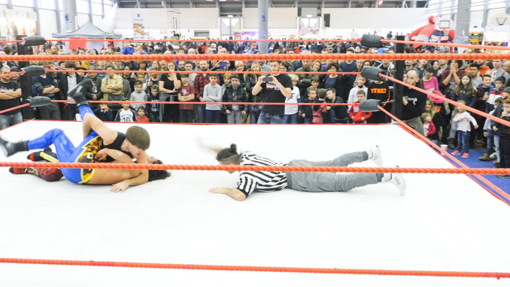 wrestling.00_00_09_20.Still006